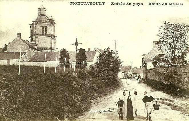 CPA-Montjavoult-06