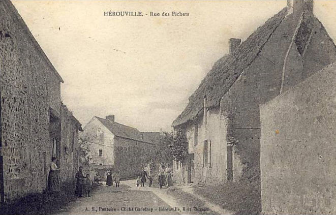 CPA-Herouville-07